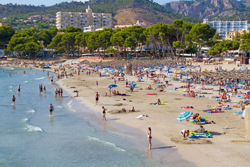 Ten tourists quarantined in a Majorcan hotel for 14 days after being struck with coronavirus near Magaluf